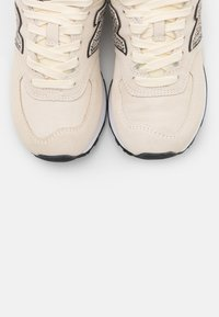New Balance - WL574 - Trainers - offwhite - 5