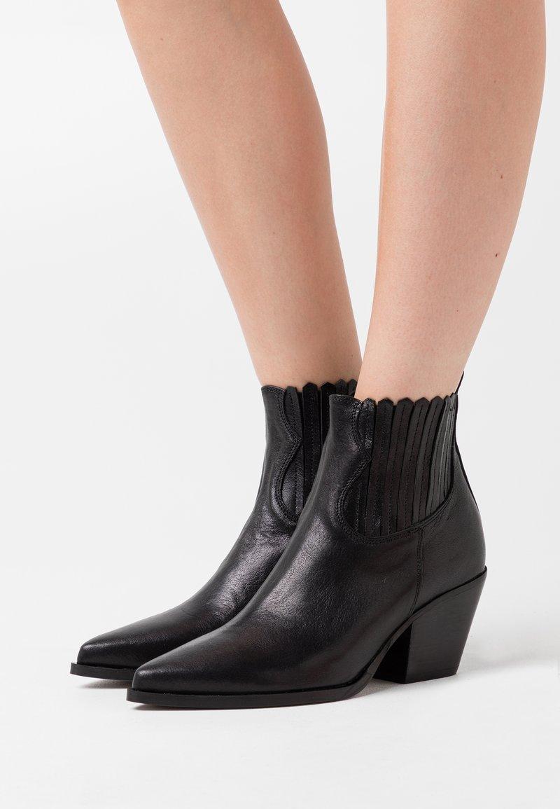 Bianca Di - Ankle boots - nero
