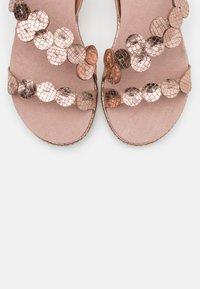 Bugatti - KIKO - Platform sandals - rose metallic - 4
