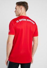 adidas Performance - FC BAYERN MÜNCHEN - Club wear - true red - 2