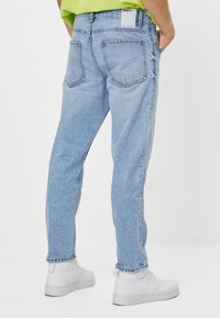 Bershka - Jean droit - blue denim - 2