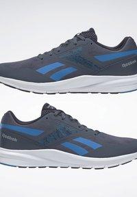 Reebok - REEBOK RUNNER 4.0 SHOES - Neutral running shoes - blue - 5