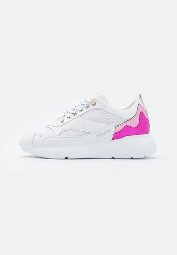 Baskets basses - white/pink