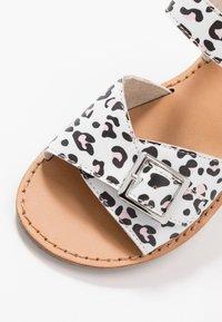 Walnut - RYDER - Sandals - white - 5