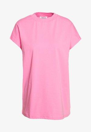 KEELA - Jednoduché triko - pink