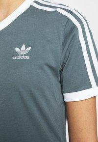 adidas Originals - STRIPES TEE - T-shirt imprimé - blue oxide - 5