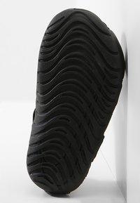 Nike Performance - SUNRAY PROTECT 2 UNISEX - Chaussures aquatiques - black/white - 4