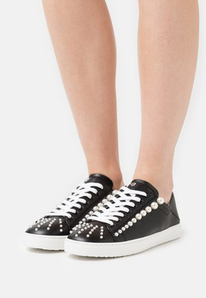 GOLDIE CONVERTIBLE - Trainers - black