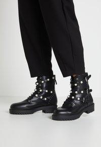 Bullboxer - Cowboy/biker ankle boot - black - 0
