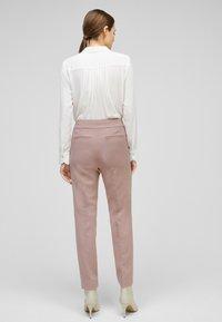 s.Oliver BLACK LABEL - Trousers - old rose - 2