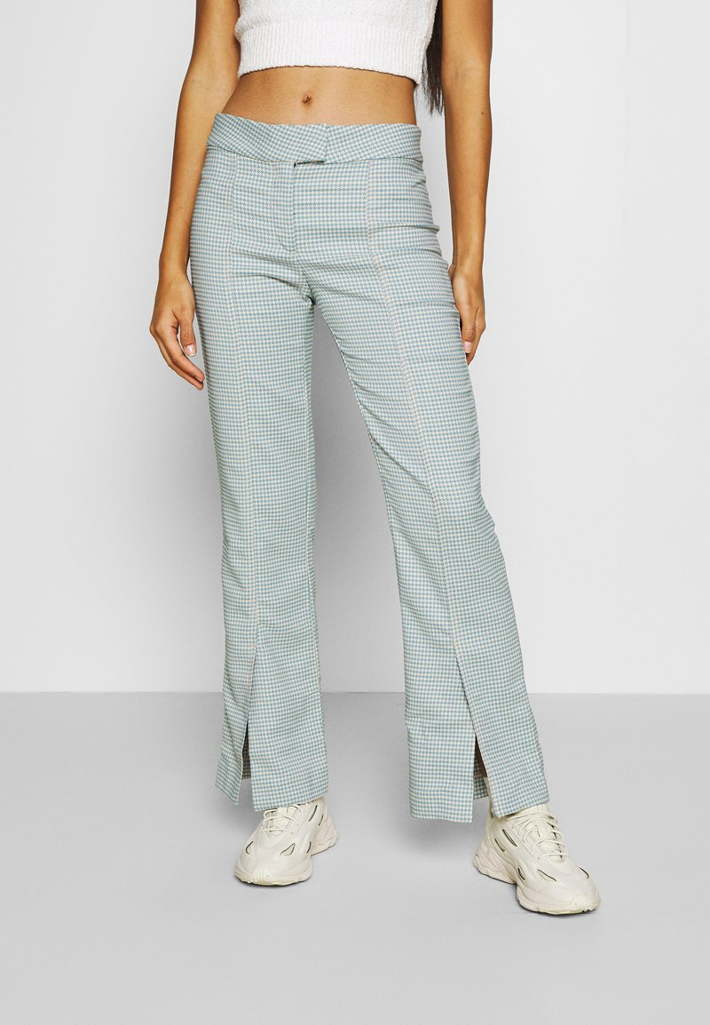 Weekday - KINNI PLEAT TROUSER - Trousers - blue