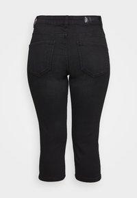 Vero Moda - VMSEVEN BUTTON FLY KNICKERS - Denim shorts - black - 5