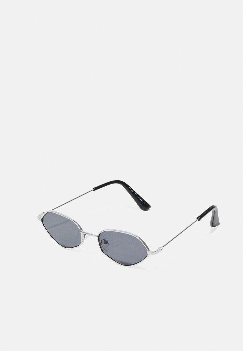 Pier One - UNISEX - Sunglasses - silver-coloured