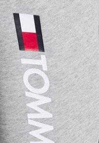 Tommy Hilfiger - CUFF PANT LOGO - Spodnie treningowe - grey - 5