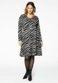 Yoek - Jumper dress - black - 1