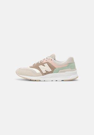 CW997 - Sneakers laag - tan