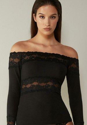 PRETTY FLOWERS - Long sleeved top - schwarz black/black