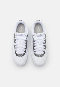 Puma - SKYE UNTAMED - Baskets basses - white - 5