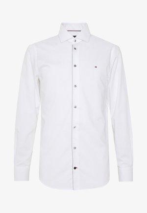PIPING CLASSIC SLIM  - Kostymskjorta - white