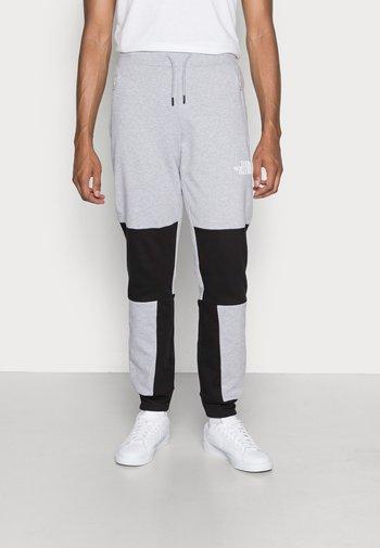 HMLYN PANT - Teplákové kalhoty - light grey heather