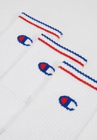 Champion - CREW PERFORMANCE - Socks - white/blue/red - 2