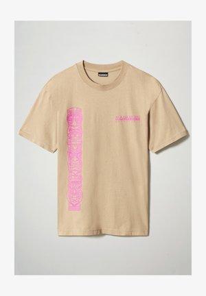 S-HAENA - T-shirt med print - mineral beige