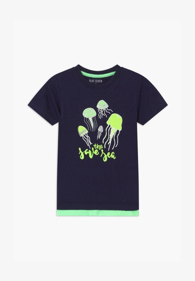 SMALL BOYS JELLYFISH - T-shirts print - nachtblau
