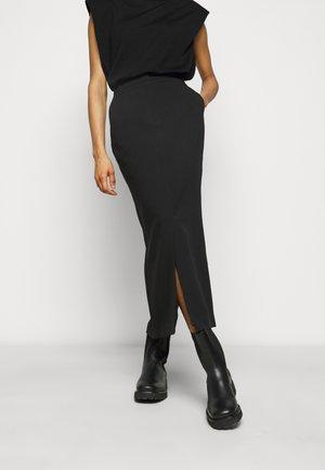 ELUM - Falda larga - black