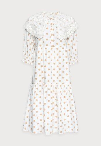 DOTTA DRESS - Abito a camicia - white