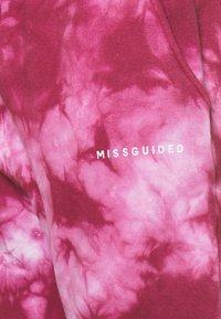 Missguided Plus - TYE DYE 90S JOGGER - Joggebukse - raspberry - 2