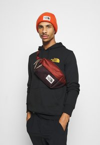 The North Face - LUMBAR PACK UNISEX - Bum bag - brandy - 0