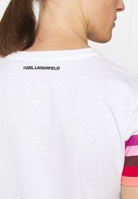 KARL LAGERFELD - STRIPE GRAPHIC LOGO - Print T-shirt - white - 3