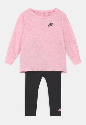 ESSENTIALS SET - Survêtement - black/light pink