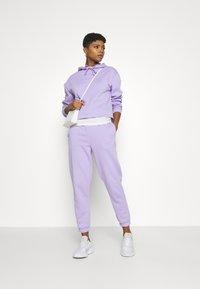 Pieces - CHILLI  - Teplákové kalhoty - lavendar - 1