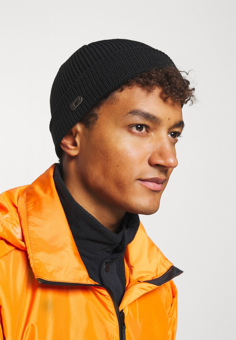 Eisbär - JOSH - Mütze - schwarz