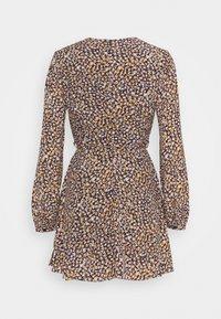 Glamorous Petite - LONG SLEEVE SKATER DRESS WITH V NECKLINE - Day dress - navy/multi - 1