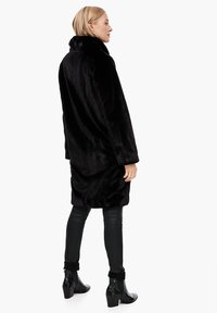 s.Oliver - TEDDY - Winter coat - black - 2