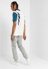 adidas Originals - TREFOIL PANT UNISEX - Teplákové kalhoty - mottled grey - 2