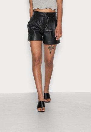 SHINA - Shorts - noir