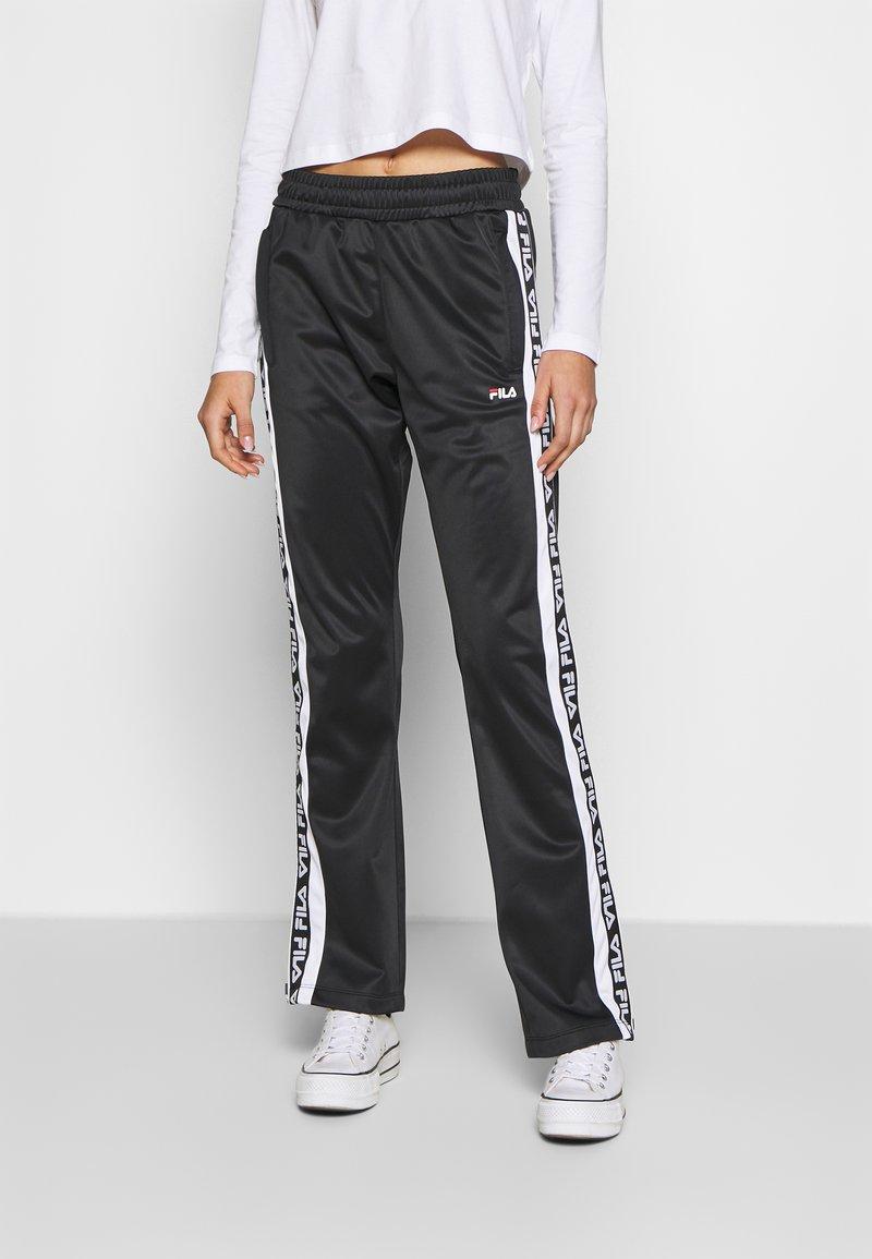 Fila - TAO - Teplákové kalhoty - black/bright white