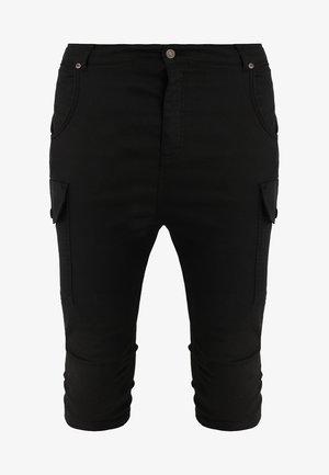 BERMUDA CARGO - Shorts - black