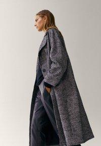Massimo Dutti - Classic coat - black - 3