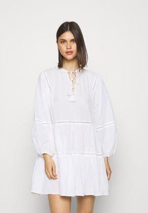 BEACH EDIT BAYSIDE LADDER TRIM DRESS - Akcesoria plażowe - white