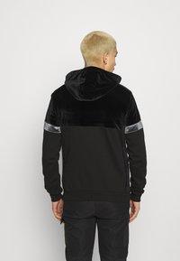 Glorious Gangsta - ARMANDO ZIPHOODIE - Zip-up sweatshirt - jet black - 2