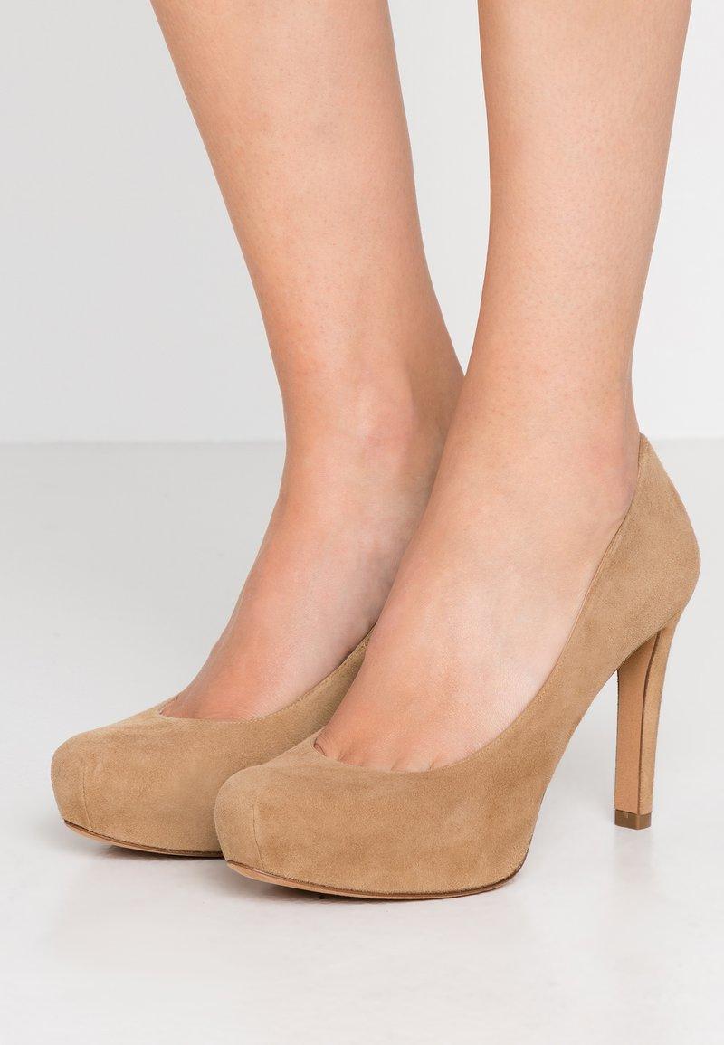Pura Lopez - High heels - beige