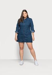 Noisy May Curve - NMLISA ZIP DRESS - Denim dress - medium blue denim - 0