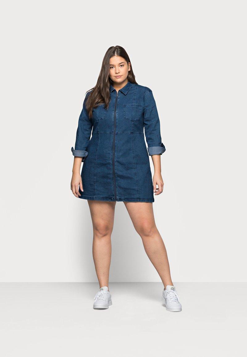 Noisy May Curve - NMLISA ZIP DRESS - Denim dress - medium blue denim