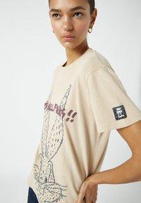 PULL&BEAR - Print T-shirt - light yellow - 4