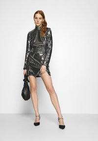 Missguided - FOIL SEQUIN HIGH NECK MINI DRESS - Cocktail dress / Party dress - black - 1