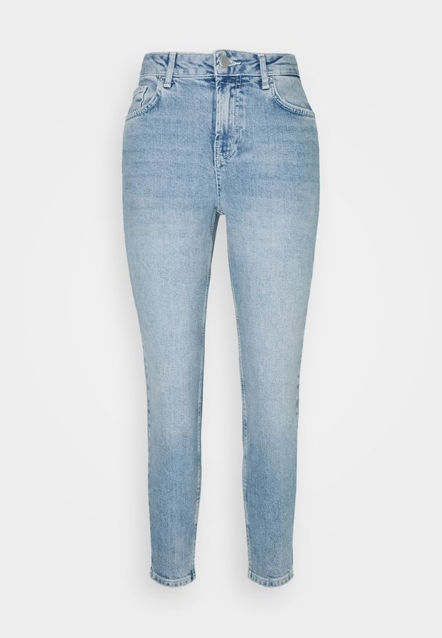 PCLEAH MOM - Jeans Skinny Fit - light blue denim